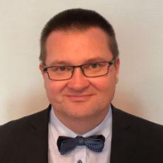 Dr.  Marek Broul